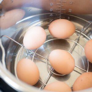 brown eggs inside instant pot